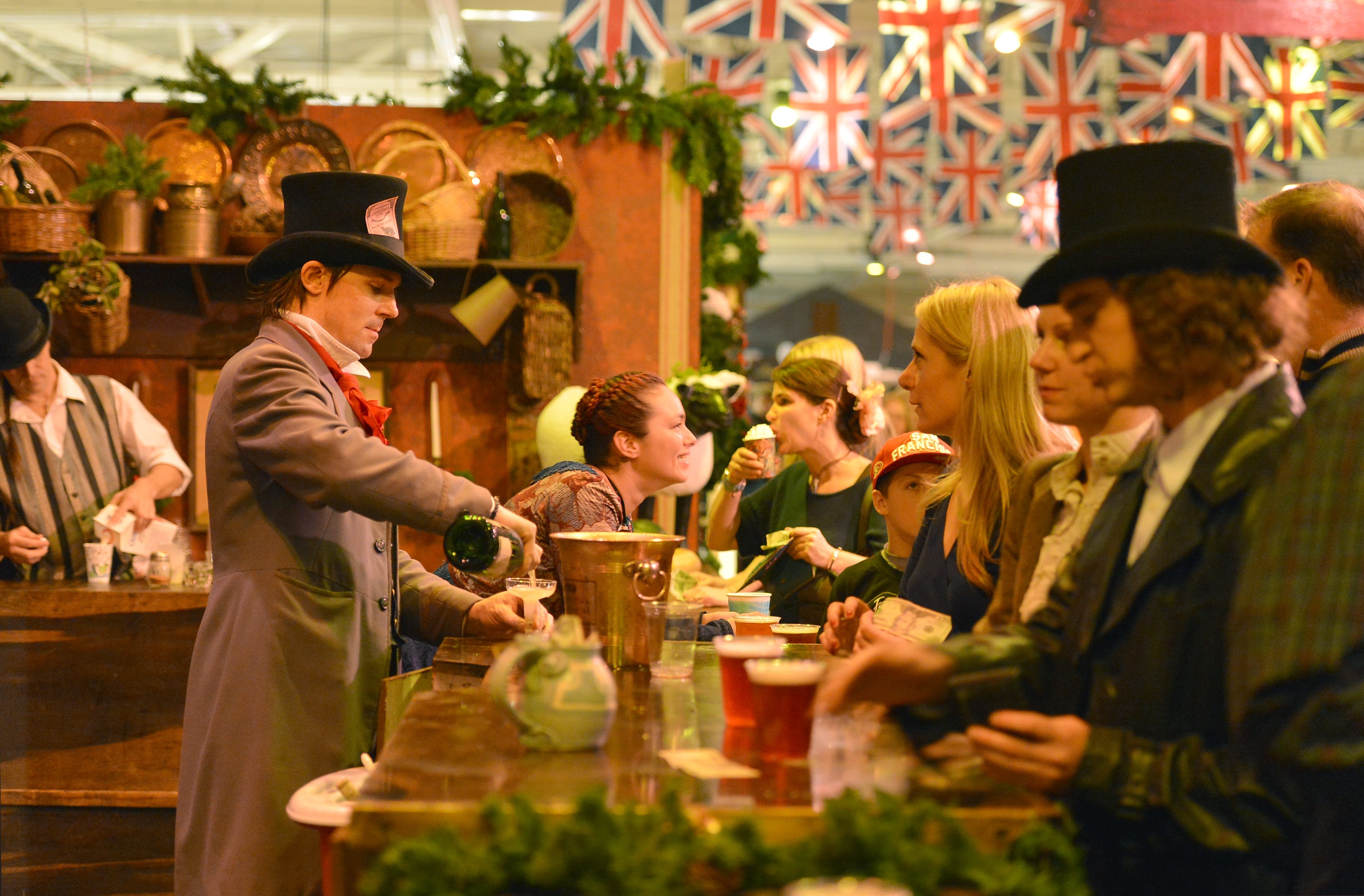 Dickens Fair: What to Know About the San Francisco Christmas